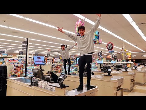 24 HOURS IN GROCERY STORE DON T TRY AT HOME