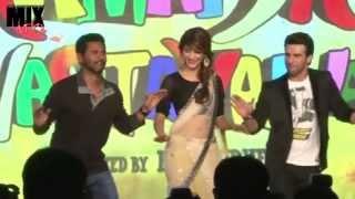 Shruti Hasan in Sexy Saree Dancing on Ramaiya Vastavaiya