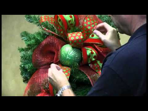 How To Decorate a Teardrop Wreath for Christmas Trees n Trends Unique Home Decor