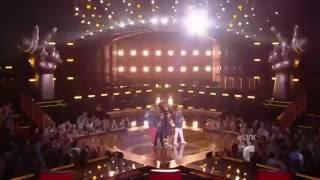 Daddy Yankee y sus 4 finalistas cantan