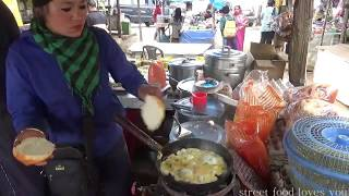 Darjeeling Street Food | India Street Food | Bread Omelet | Look How Young Lady Selling Fast