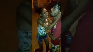 CASAL-ENGRAÇADO-CANTANDO-MUSICA-BRUNA-CARLA