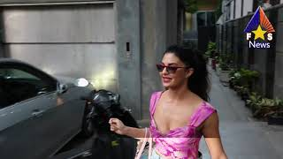 Jacqueline Fernandez Spotted at Mukesh Chabra Office   New Film Sign