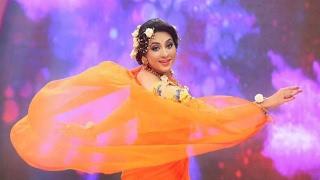 অভিনেত্রী তারিন গান গেয়ে মঞ্চ মাতালেন | Hot Actress Tarin Song