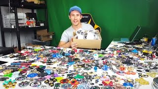 Tons & Tons of Fidget Spinner Unboxing!!! + 3 Giveaway Winners Announced!!!