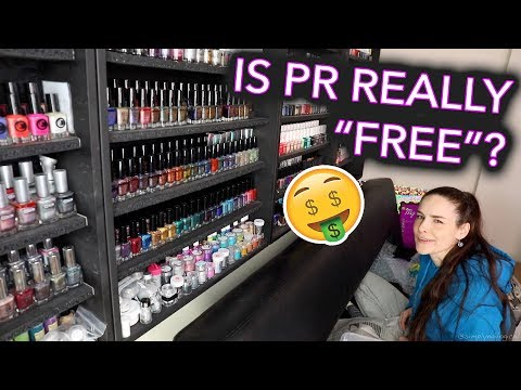CHIT CHATTY GET PACKING WITH ME PR tea my first holo and singing you songs