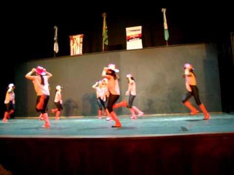 Festival de Dança Com Passos Ecola de Dança Simone azevedo Livre Country Meteoro da Paixão