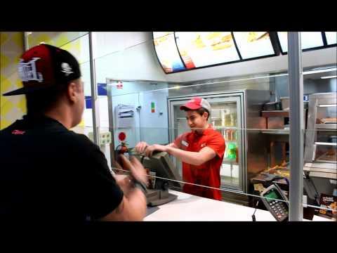 HOW TO ORDER KFC LIKE A BOSS ( FT DIZASTER )