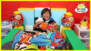 Ryan Pretend Play Sleeping in Giant Box Fort House Challenge!!!