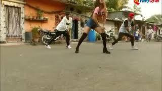 Hot Girl Dancing on