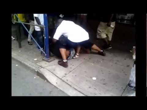 Brigas de rua só mulheres