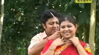 Latest Bengali Folk Song   Olo Sundari Tor Paye Pori   ওলো সুন্দরী তোর পায়ে পড়ি   Parikshit Bala