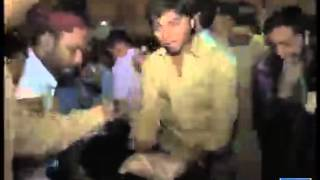 PML N supporters attack Cake On Youm E Takbeer