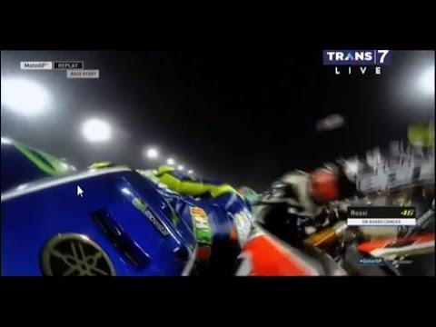 Valentino ROSSI Hampir Jatuh Kena Sundul dari Belakang, Siapakah Dia.?. - MOTOGP QATAR 2017
