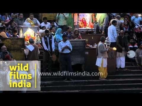 People gather for Ganga Aarti at Har-ki-Pauri Ghat in Haridwar