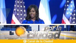 Michelle Obama brindó un emotivo discurso ante 450 estudiantes - Por la ciudad