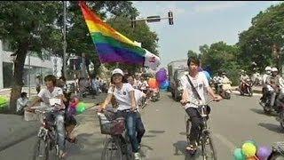 Première gay pride au Vietnam