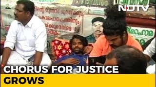 Hundreds Turn Up To Support Kerala Man Protesting For Over 700 Days