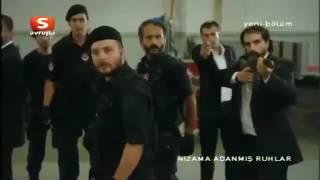عاكف ينقذ أصحابه مسلسل الفريق الأول