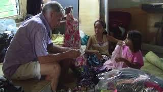 MR  AND MRS O  SPOILING TALIKLIK AND BABY ON MAGIC BOX #12 BALIKBAYAN BOX EXPAT PHILIPPINES