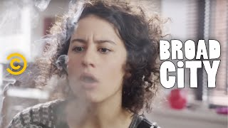 Broad City - Exclusive - 4 Minutes and 20 Seconds with Broad City