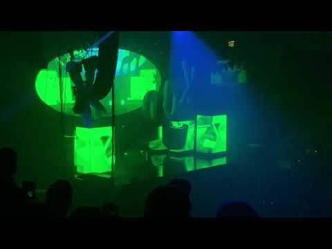 J Cole Ft. Kill edward perform The Cut Off live