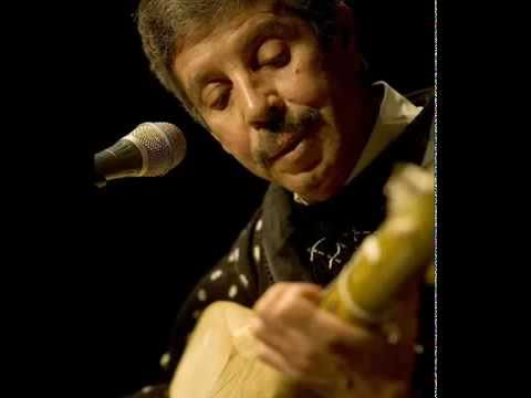 المرحوم محمد رويشة . شكون يفهمني اغنية جميلة جدا.