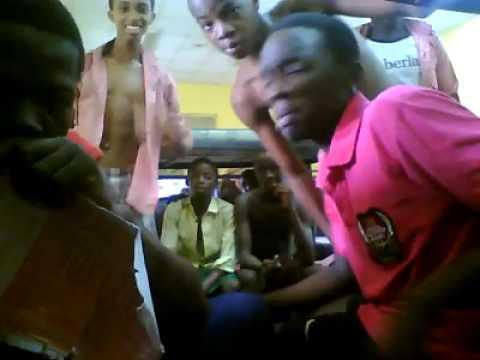 Throwback Video Of Unilag Girls Fighting Dirty Over Boyfriend In Hostel