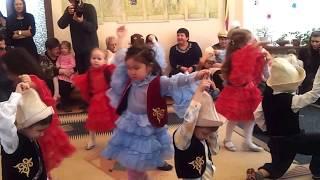 Kyrgyz kids dance