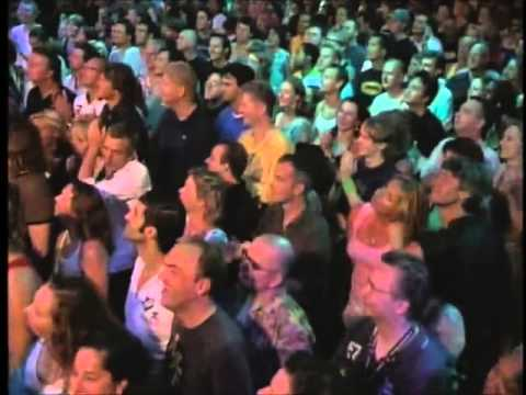 Incredible drumsolo Omar Hakim with Nile Rodgers Chic Paradiso 2005 Amsterdam