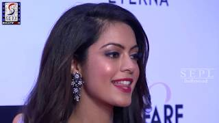 Anya Singh Exposing Hot in Deep Neck Gown