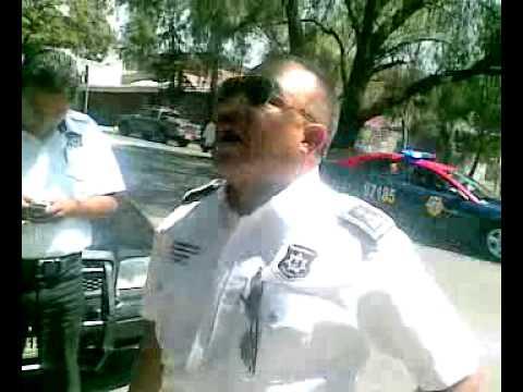 POLICIA MUNICIPAL CORRUPTO DE HUIXQUILUCAN ACORRALADO POR LA A.S.E.mp4