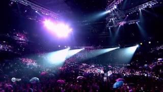 HD Life  Rihanna   Umbrella 1080p