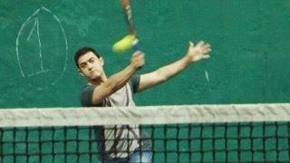 Aamir Khan CAUGHT playing TENNIS!
