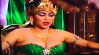 Julia Rossie Dalam Sinetron Susuk Kantil Nyi Roro Kidul Sebagai Ratu Roro Kidul (2003)