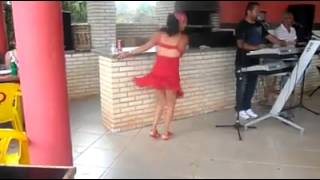 Lady dancing with the bar