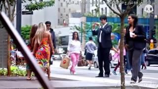 مقلب العطسة شاب يزيح فساتين البنات بعطستة القوية مترجم