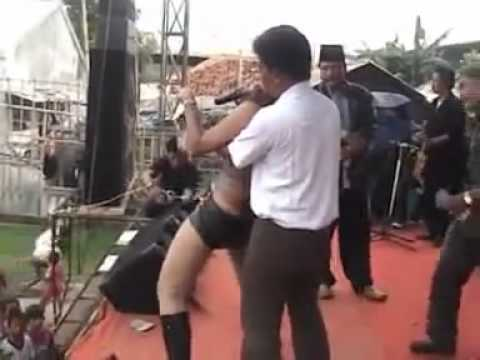 sahara dangdut bugil.avi by salonnet .mp4