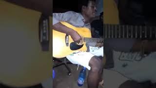 Van Guitare et Van Baxy au grin