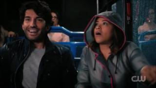 Jane the virgin - Jane and rafael on the bus