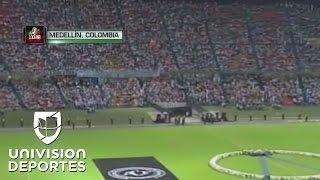 El Atlético Nacional de Medellín llenó su estadio para honrar al Chapecoense