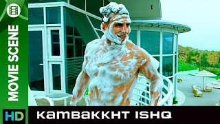 The secret chanter | Kambakkht Ishq | Movie Scene