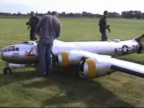 Radiomodelismo O maior avião RC do mundo