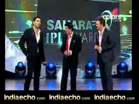 SAHARA IPL AWARDS 2010-SHAHRUKH kHAN'S COMEDY WITH GILCHRIST