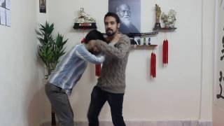 [آموزش دفاع شخصی خیابانی] - دفاع گرفتن گردن از جلو شیوه دوم