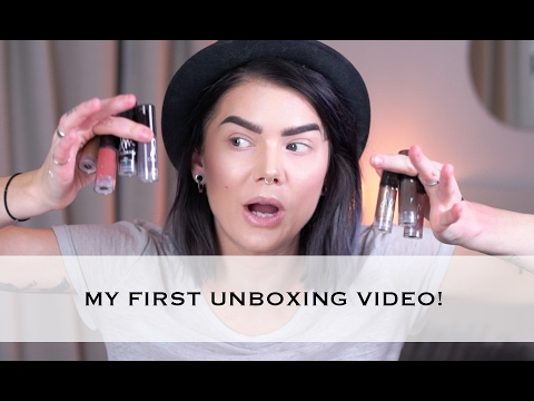 MY VERY FIRST UNBOXING VIDEO!