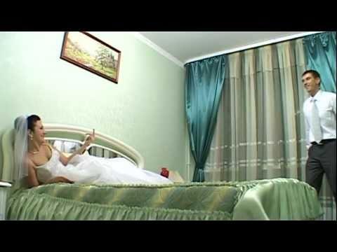 video-erotika-devushka-draka-potseluy