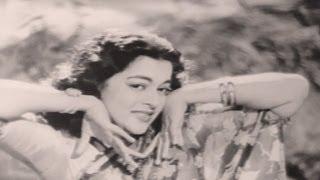 Nazar Bas Ek Nazar - Lata Mangeshkar, Munimji Song
