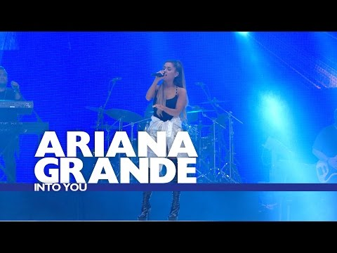 Download Lagu Ariana Grande - 'Into You' (Live At The Summertime Ball 2016) MP3
