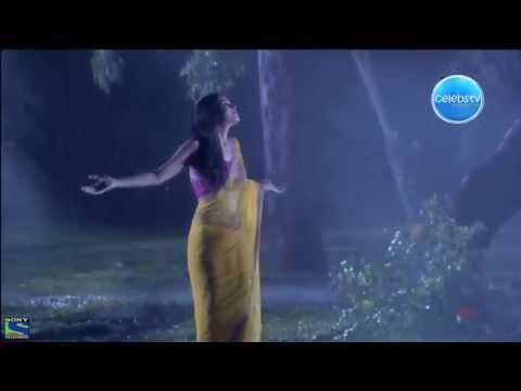 Simran Kaur Hot and Sexy Wet Navel Backless Smooch Scene